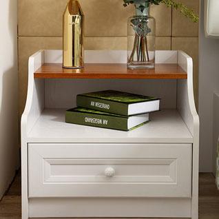 FIBE13:伝統的なホワイトのベッドサイドテーブル